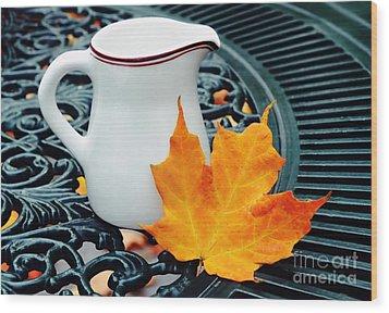 Coffee Cream Wood Print by Elaine Manley