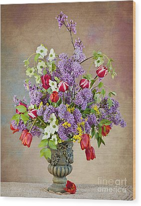 Wood Print featuring the photograph Colors Of Spring by Cheryl Davis