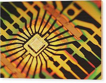 Computer Microchip Wood Print by Pasieka