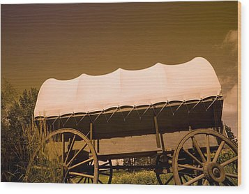 Conestoga Wagon Wood Print by Darren Greenwood