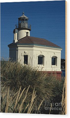 Wood Print featuring the photograph Coquille Light by Sharon Elliott