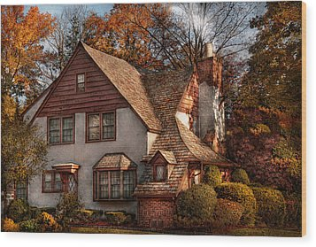 Cottage - Westfield Nj - Family Cottage Wood Print by Mike Savad