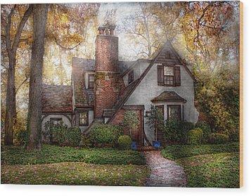 Cottage - Westfield Nj - Grandma Ridinghoods House Wood Print by Mike Savad