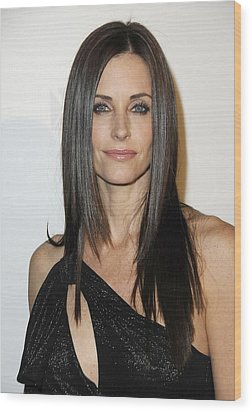Courteney Cox At Arrivals For Fx Wood Print by Everett