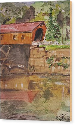 Covered Bridge And Reflection Wood Print by Phyllis Barrett