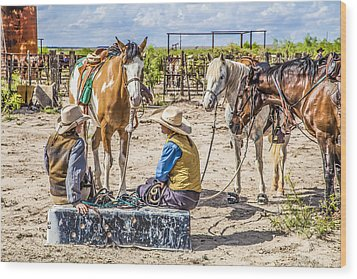 Cowgirls At Rest Wood Print by Ralph Brannan