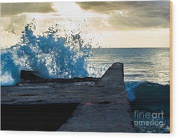 Crashing Blue Wood Print by Rene Triay Photography