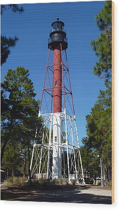 Crooked River Lighthouse Wood Print by Carla Parris