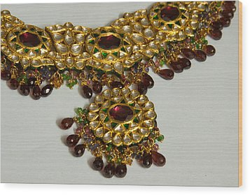 Cross Section Of A Purple And Yellow Gold Beautiful Necklace Wood Print by Ashish Agarwal
