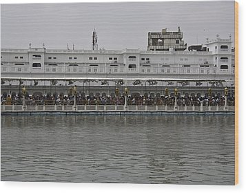 Crowd Of Devotees Inside The Golden Temple Wood Print by Ashish Agarwal