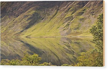 Crummock Water Wood Print by All my images are taken in the english lakedistrict