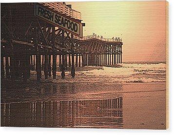Crystal Pier  San Diego California Wood Print by Richard Shelton