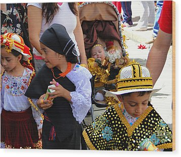 Cuenca Kids 149 Wood Print by Al Bourassa