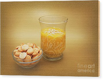 Cup O Soup And Oyster Crackers Wood Print by Andee Design