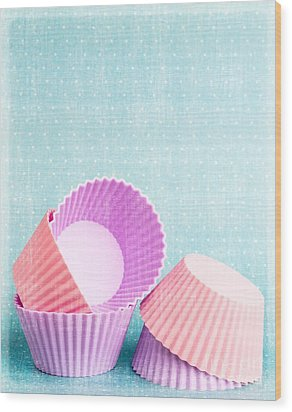 Cupcake Wood Print by Edward Fielding
