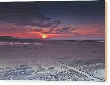 Dawn At Ardeer Wood Print by Fiona Messenger
