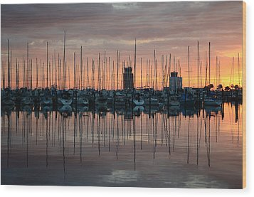 Dawn At The Marina Wood Print