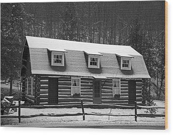 Days Of Yore Log Cabin Wood Print by John Stephens