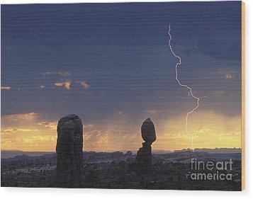 Desert Storm - Fs000484 Wood Print by Daniel Dempster