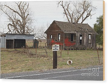 Dilapidated Old Farm House . No Trespassing . No Hunting . 7d10335 Wood Print by Wingsdomain Art and Photography