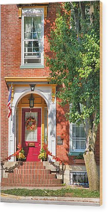 Door In Historic District I Wood Print by Steven Ainsworth