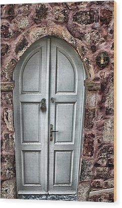 Door In Santorini Wood Print by Tom Prendergast