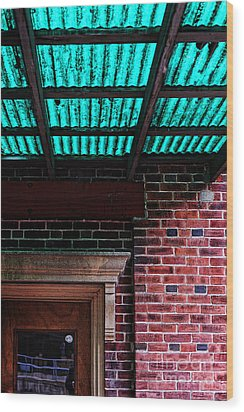 Door With Green Overhang Wood Print by HD Connelly