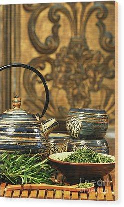 Dries Herb Leaves  Wood Print by Sandra Cunningham