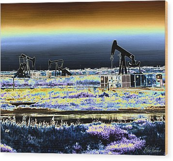 Drilling For Black Gold Wood Print by Diana Haronis