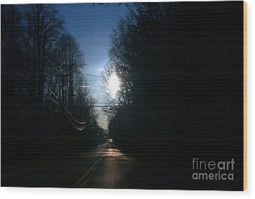 Early Morning Rural Road Wood Print by Susan Stevenson