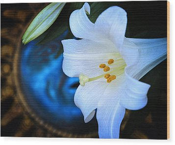 Wood Print featuring the photograph Eclipse With A Lily by Steven Sparks