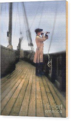 Eighteenth Century Man With Spyglass On Ship Wood Print by Jill Battaglia