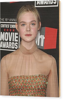Elle Fanning At Arrivals For 16th Wood Print by Everett