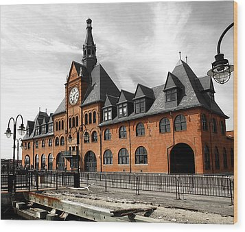 Wood Print featuring the photograph Ellis Island Train Station by Raymond Earley