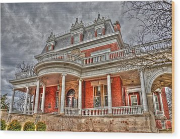 Ellwood Mansion Wood Print by Dan Crosby
