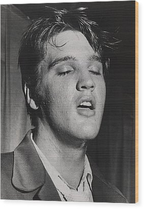 Elvis Presley 1935-1977 Wood Print by Everett