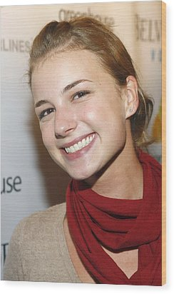 Emily Vancamp At Arrivals For Nhl Wood Print by Everett