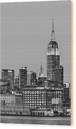 Empire State Bw Wood Print by Susan Candelario