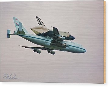 Enterprise 6 Wood Print by S Paul Sahm
