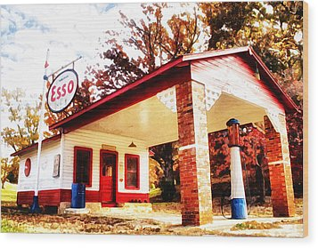 Esso Filling Station Wood Print by Lynne Jenkins