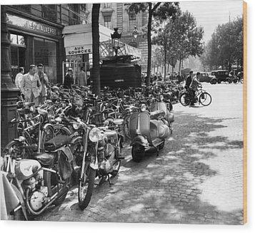 Ev1980 -street Scene In Paris, August Wood Print by Everett