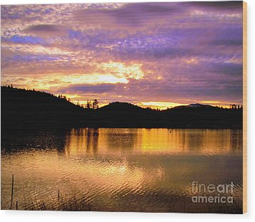 Wood Print featuring the photograph Evening Lake Britton by Irina Hays