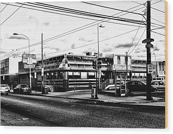 Everybody Goes To Melrose - The Melrose Diner - Philadelphia Wood Print by Bill Cannon