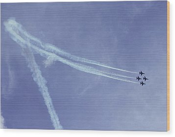 F16s In Formation Wood Print