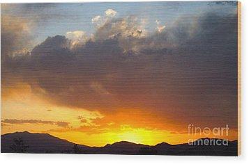 Fabulous Sunset Wood Print by Phyllis Kaltenbach