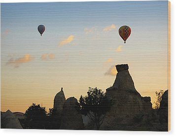 Fairy Chimneys And Balloons Wood Print by RicardMN Photography