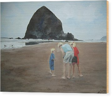 Family By The Sea Wood Print