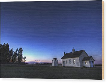 Farm House In Field At Sunset, Fort Wood Print by Dan Jurak