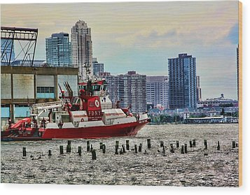 Fdny Fireboat Wood Print by Terry Cork