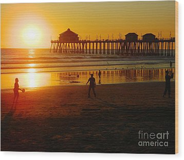 Wood Print featuring the photograph Feels Like Summer by Everette McMahan jr
